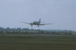 Douglas DC-3 N47FK - flare